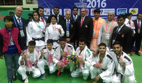 Indian Medal winners with Mr. Mukesh Kumar, President, JFI; during SAF Games 2016